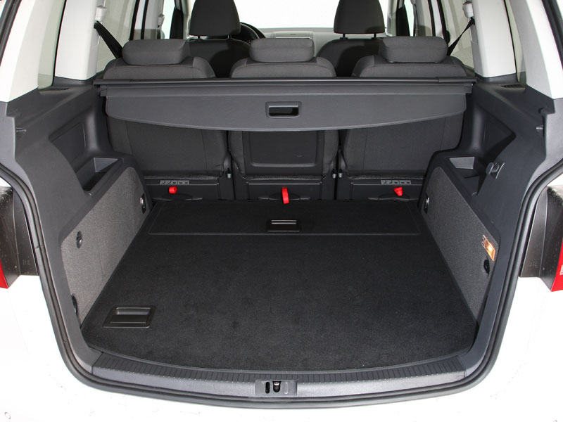 fahrbericht vw touran 1 6 tdi besser reisen ace auto club europa e v ihr automobilclub. Black Bedroom Furniture Sets. Home Design Ideas