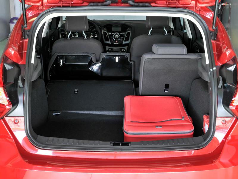 vergleichstest kompaktklasse preis wert ace auto club europa e v ihr automobilclub. Black Bedroom Furniture Sets. Home Design Ideas