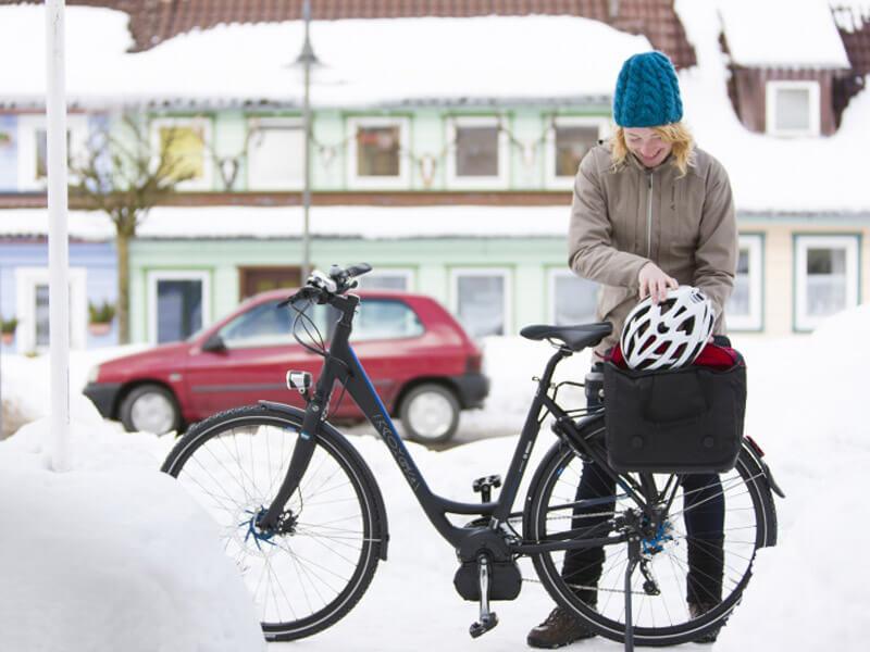 ratgeber e bikes mit akku durch den winter radeln ace. Black Bedroom Furniture Sets. Home Design Ideas